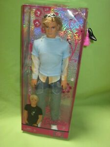Mattel-L9542-Barbie-2007-FASHION-FEVER-Rooted-Blonde-Hair-KEN-DOLL-in-Jeans-NRFB