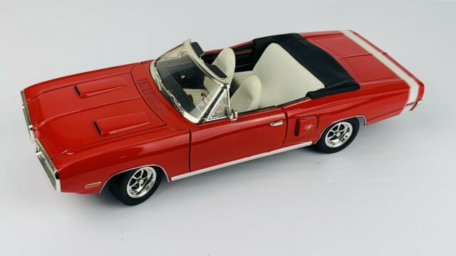 '70 Dodge Coronet R/T Red 1:18 Scale Yat Ming Road Signature Leather Series K1