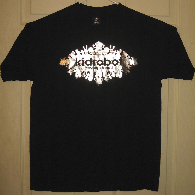 KIDROBOT Shirt M Message Board Design Kid Robot KR Vinyl Foil SDCC OOP RARE HTF