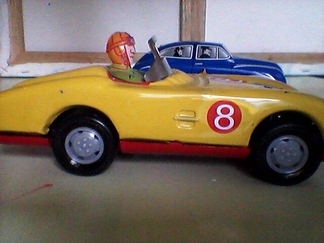 Biler, Blik legetøjs racerbil