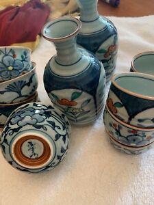 Vintage-Japanese-Sake-Set-Hand-Painted-Porcelain-Blue-White-12-pieces