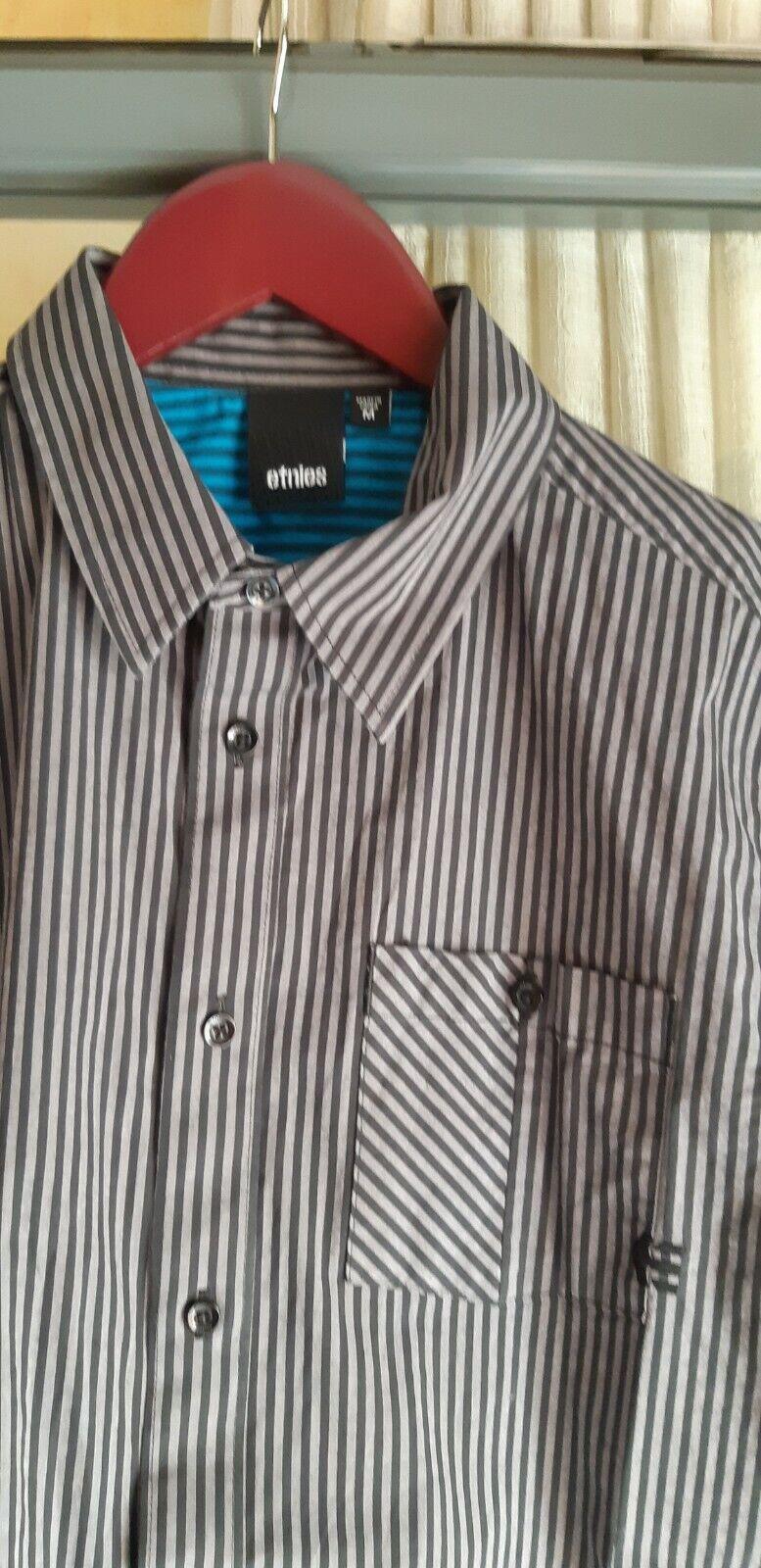 camisa etnies, talla: M