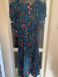 Beautiful Blue Floral Ladies Tea Dress By Billie & Blossom Size 22 BNWT