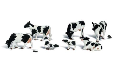 N Scale WoodLand Scenics  Holstein Cows    11 pcs  A2187  NIP