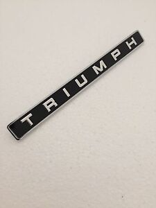 Triumph Badge Genuine Concours Oe 626859 Fitted To Triumph Spitfire