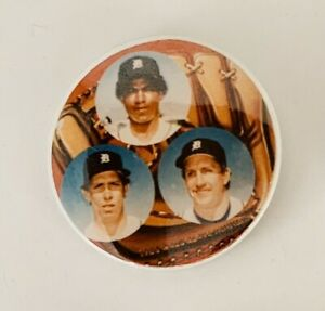 DETROIT-TIGERS-1984-PINBACK-BUTTON-TRAMMELL-WHITAKER-PARRISH-TIGER-STADIUM