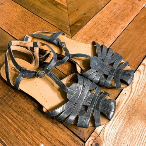 Bare Traps Gray Leather Ellary Sandal 8 Women/'s Closed-toe Strappy Flat Shoe