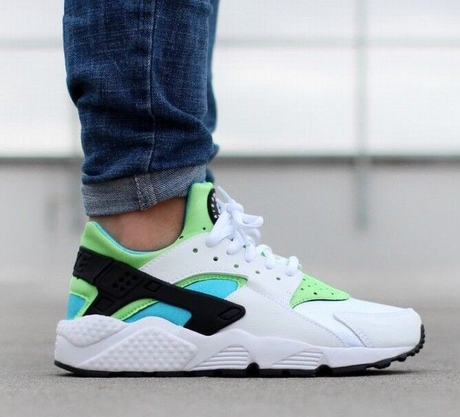 NIB WOMENS NIKE AIR HUARACHE RUN WHITE BLACK GREEN ATHLETIC RUNNING TRAINING