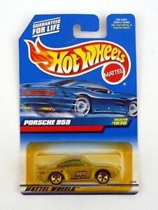 loose 1:64 scale diecast toy sports car 1999 Mattel Hot Wheels Porsche 959 ~ Collector #1030