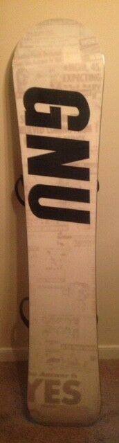 GNU Riders Choice snowboard with Raiden bindings (157.5cm)