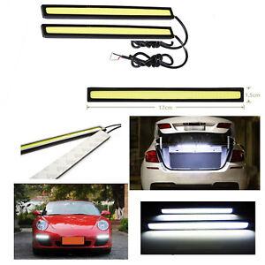 Bombilla-panel-cob-led-con-iluminacion-color-blanco-frio-para-plafon-de-12V