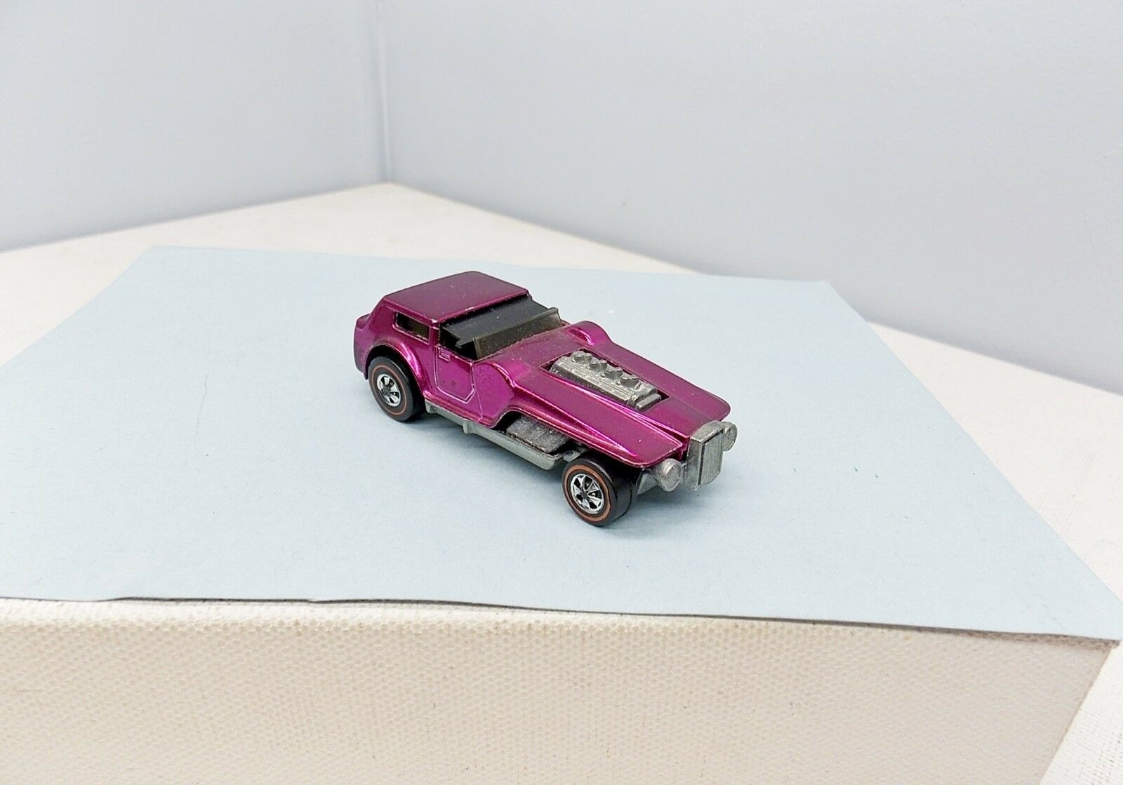 Hot Wheels The Hood - Magenta - AWESOME- Vintage Redline