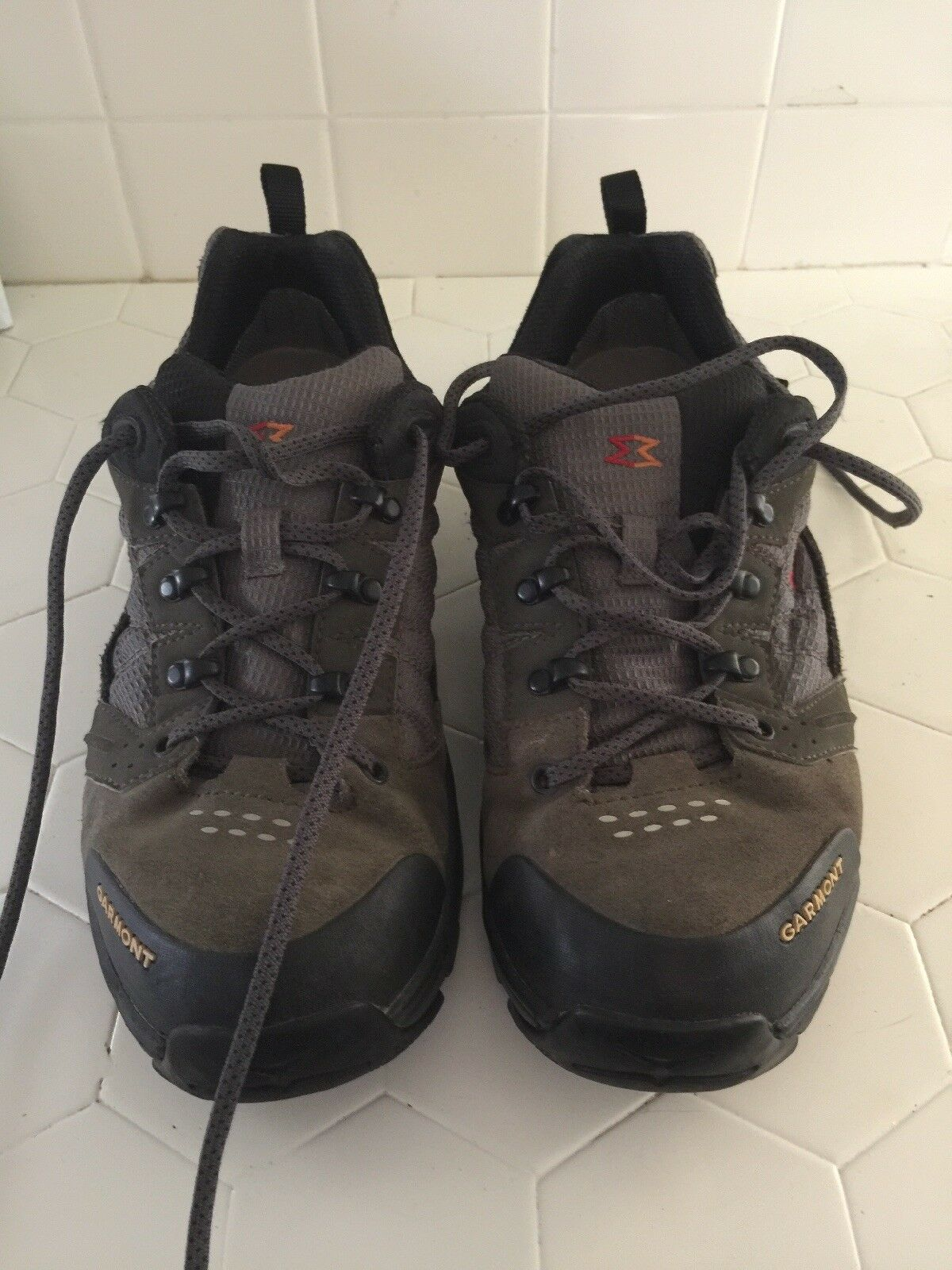 Mens Garmont Gore-Tex VIBRAM SOLE Waterproof Hiking Trail shoes Size US 9   EUC