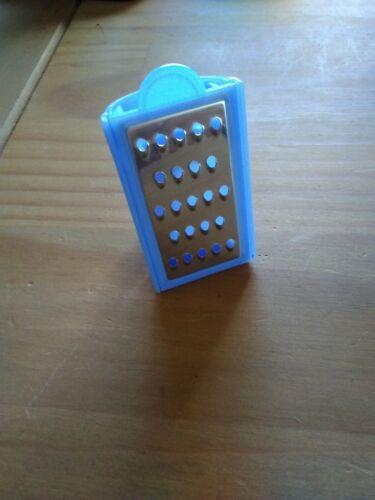 Tupperware Muskatreibe 15 ml blau  Mini-Reibe