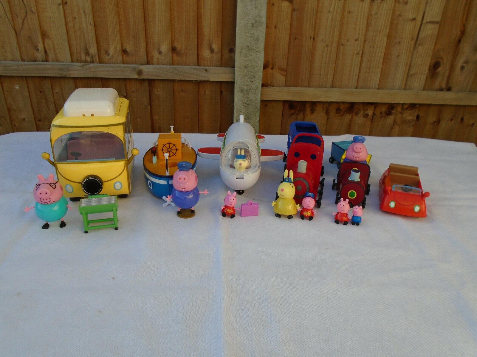Peppa Pig Vehicle Bundle Camper Van Boat Aeroplane Train voiture And 7 Figures
