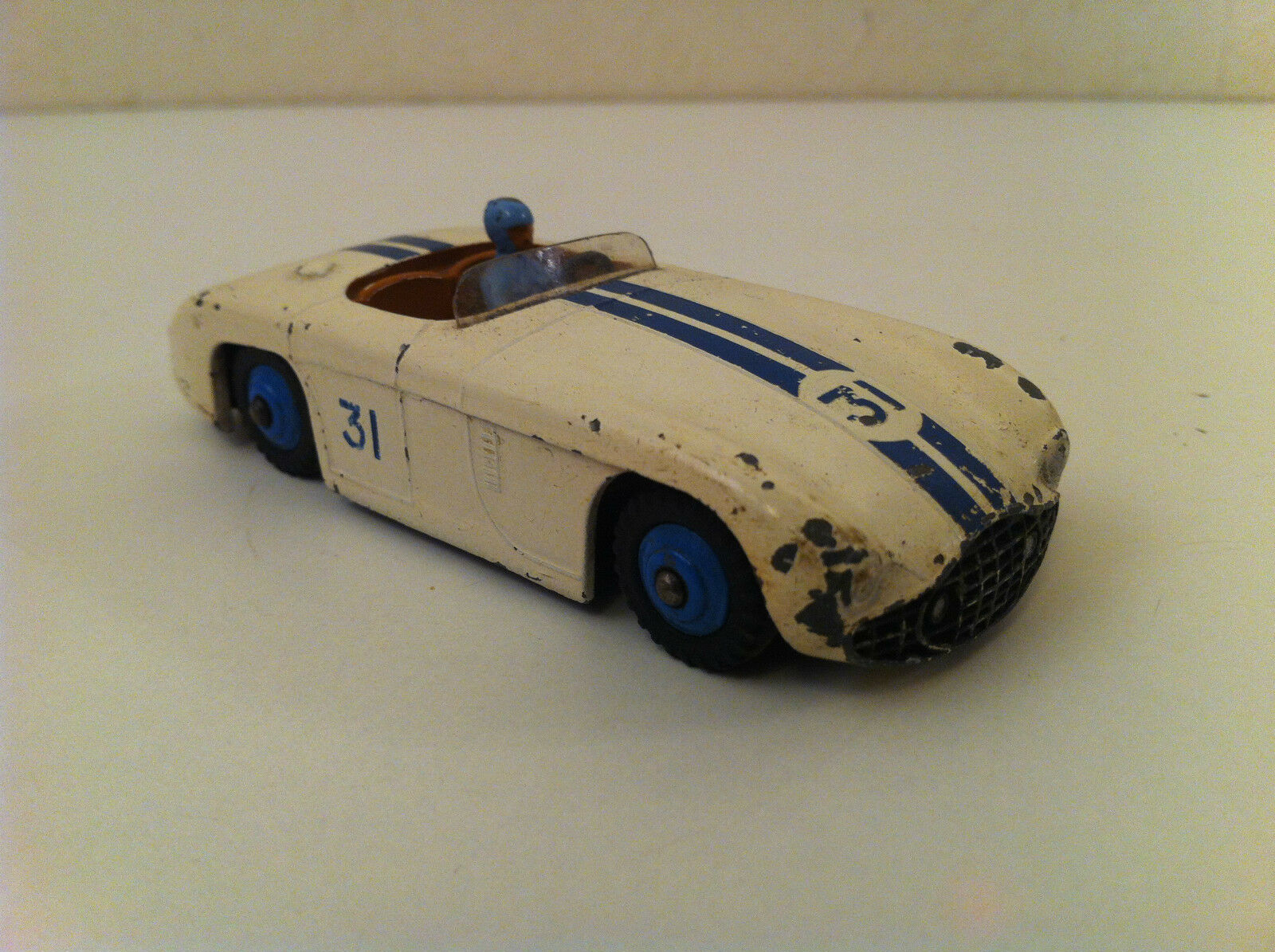 Dinky Toys - 133 - Cunningham C-5R Road racer