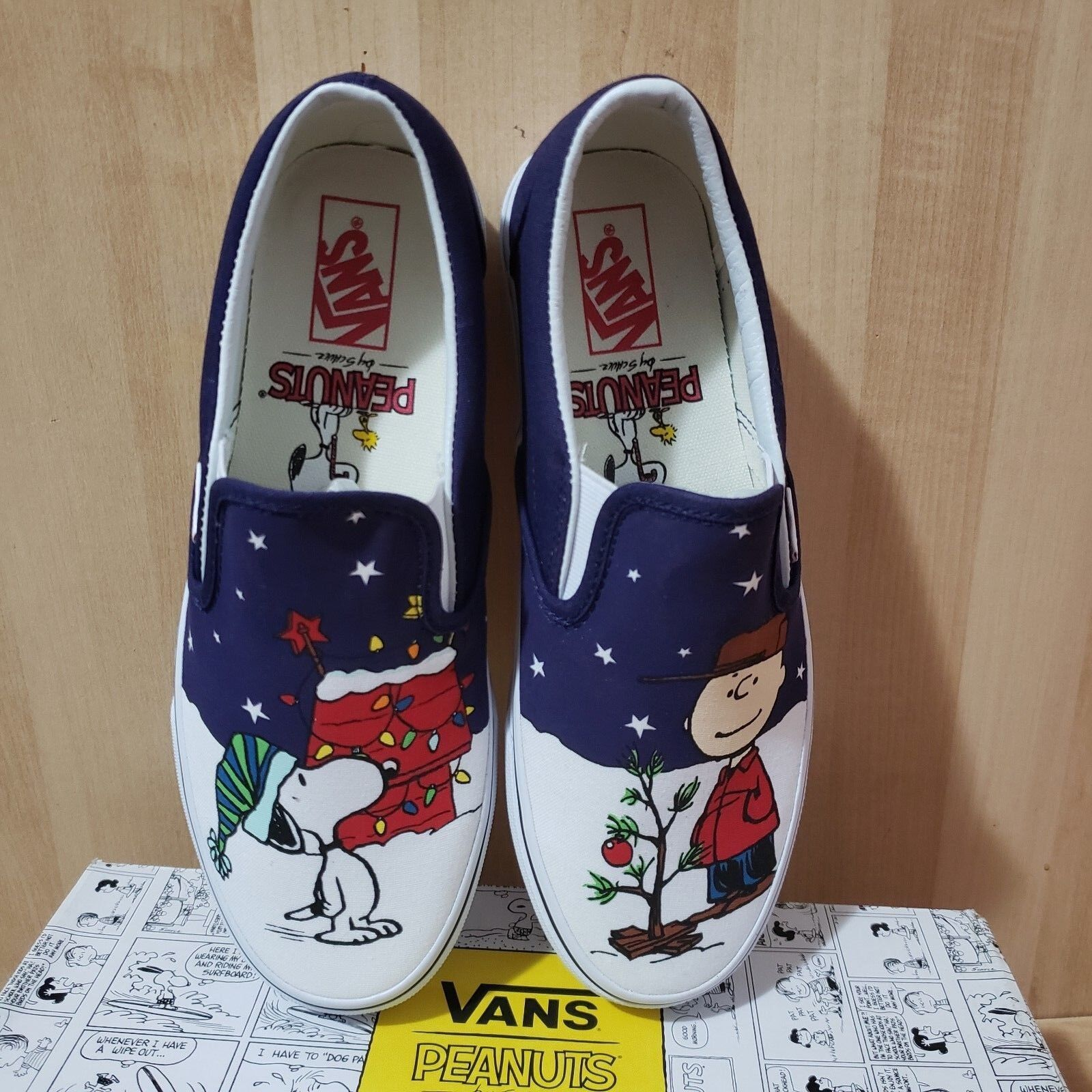 VANS X Peanuts Snoopy & CHARLIE Brown Christmas Tree men's sz 8 Slip On shoes