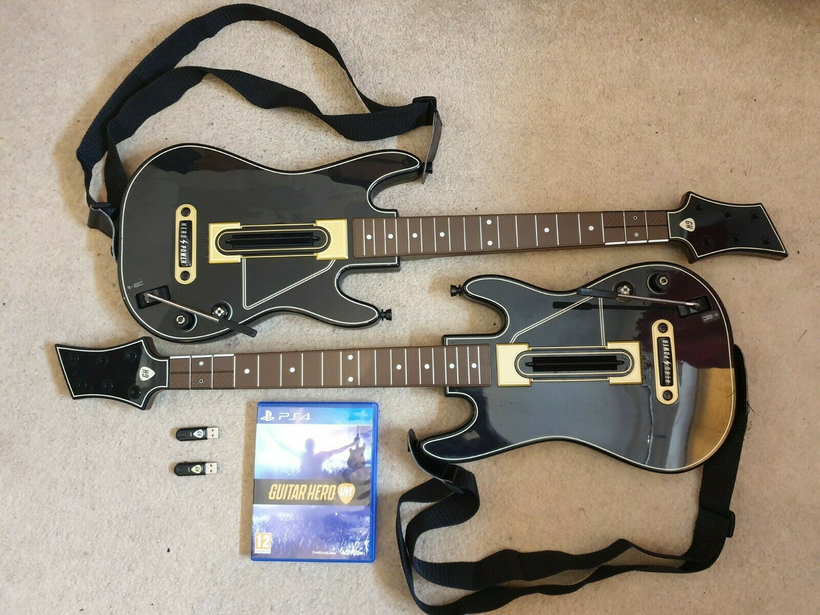 Guitar Hero Live Game With 2 x Guitars & 2 x Dongle - Bundle - PS4 Free UK Post