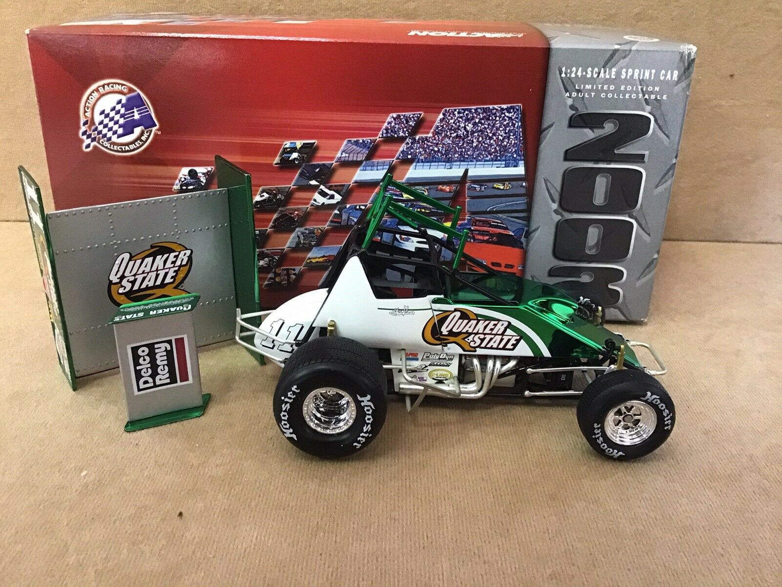 Steve Kinser Quaker State 2003 17X Champion 1 24 Scale Action