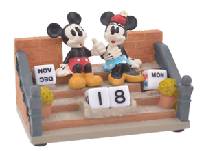 Disney Mickey /& Minnie Pperpetual Calendar Classic Japan import NEW Disney Store