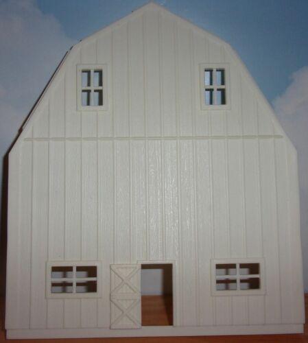 1//64 Ertl Farm Country White Barn End
