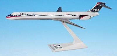 DELTA   AIRLINES DESK MODEL MCDONNELL DOUGLAS MD90  N930DN  2007 -