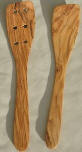 Olivenholz-Pfannenwender-Set-ca-30-cm-6-Loecher-handgefertigt-Holz-2-teilig