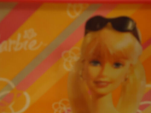 """/""""BARBIE/"""" BRIGHT PINK HARD PLASTIC LUNCH BOX WITH THERMOS.....NEW....2004"""