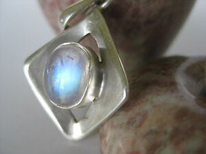 Rainbow-Moonstone-Silver-Pendant-Unique-sterling-blue