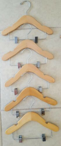 """Wooden Infant//Toddler Shirt//Pants Hangers with Grips Notches and Clips 10/"""""""
