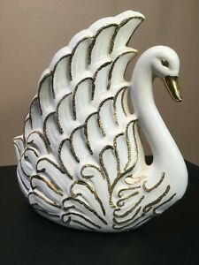 Vintage-MID-CENTURY-CERAMIC-SWAN-PLANTER-IVORY-w-GOLD-ACCENTS-LARGE-1950s