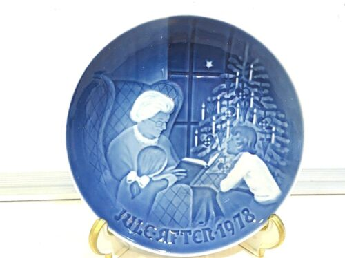 """A CHRISTMAS TALE"" 1978 COLLECTOR PLATE"