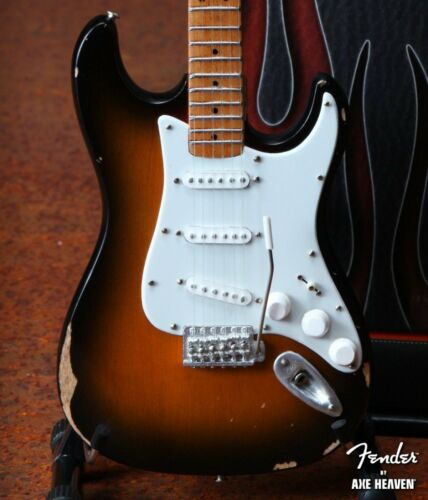 Axe Heaven Licensed Road-worn Fender Strat 1//4 scale miniature collectible