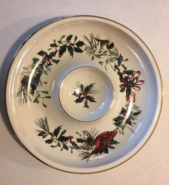 Lenox winter greetings 12 chip and dip dish bowl cardinal birds ebay lenox winter greetings chip and dip dish in orginal box m4hsunfo