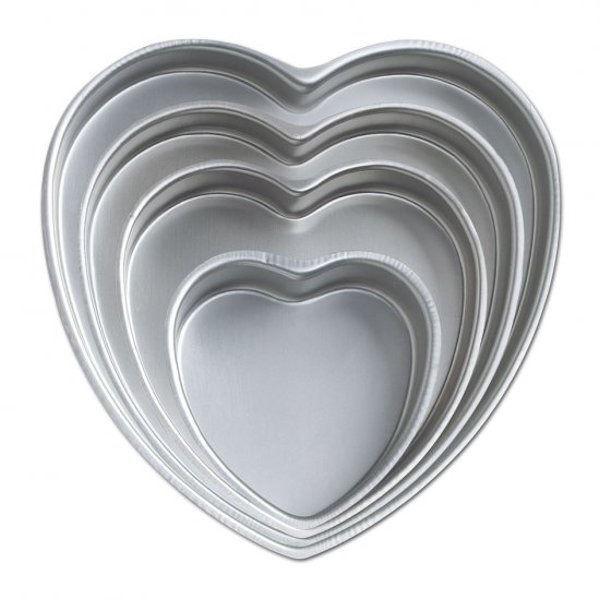 Heart 4pc Decorator Preferrot Cake Pan Set from Wilton  606 - NEW
