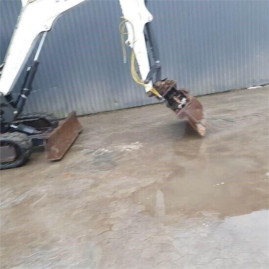 Gravemaskine, Bobcat E 55 Gravemaskiner på bånd