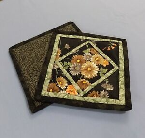 7-034-QUILTED-POTHOLDERS-BLACK-WITH-FLOWERS-NEW-HANDMADE-KITCHEN-LINEN-100-COTTON