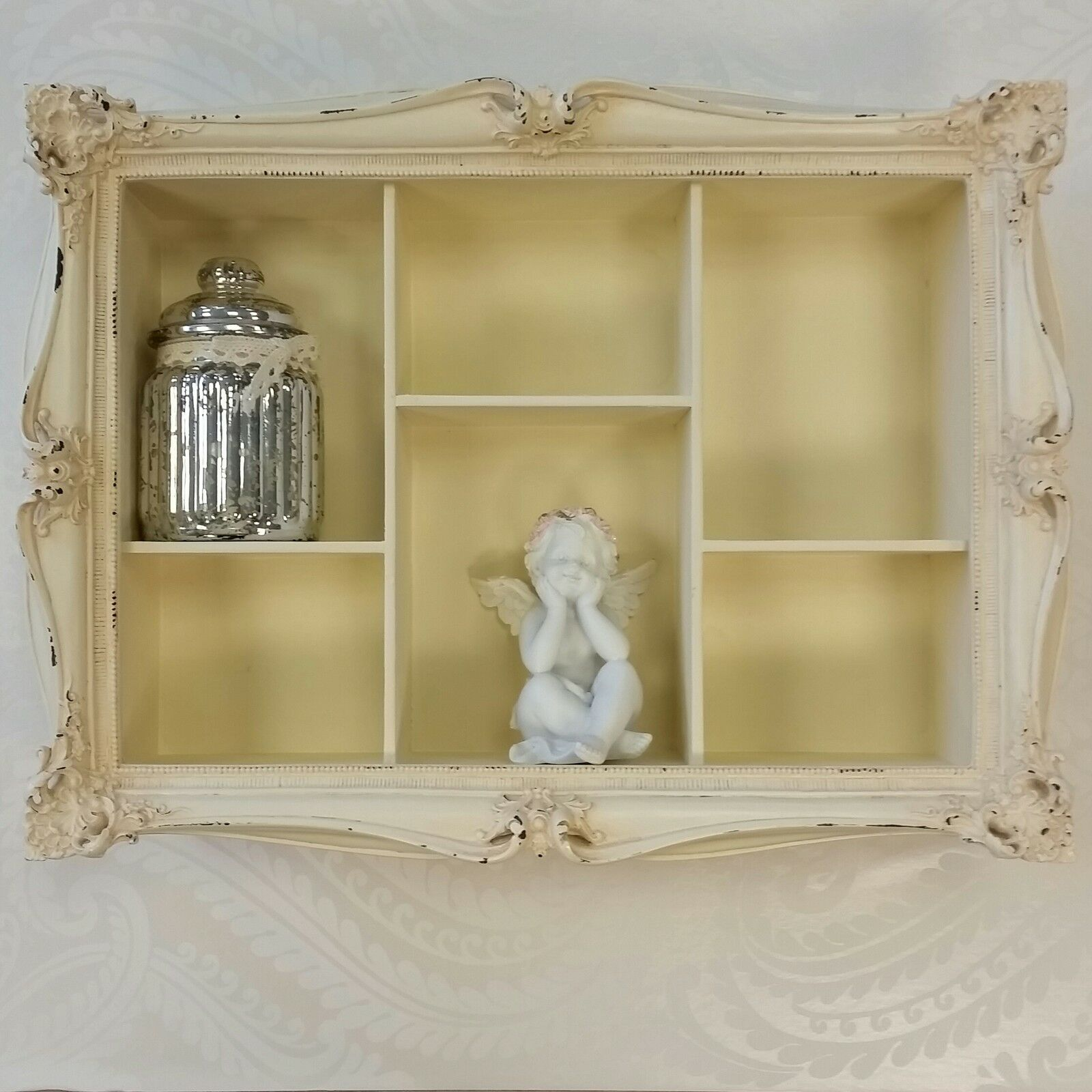 cream wall hanging shelf display unit french shabby chic. Black Bedroom Furniture Sets. Home Design Ideas