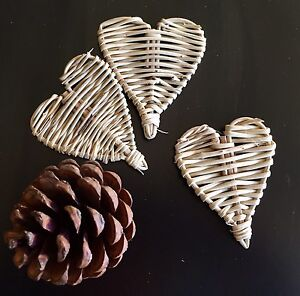 3 x Small Vine Hearts 6cm - Natural Wicker Pet Rabbit Guinea Pig Bird Toy Parts