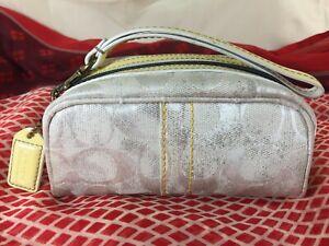 Vintage-Coach-Auth-Make-up-bag-Wristlet-Purse-handbag-Canvas-amp-Yellow-Leather