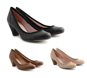 Step into this season's must have styles and embrace unparalleled chic with women's shoes featuring latest designs. Think courts, points and kitten heels paired with workwear and a tee, you're set to bring beach style to the streets. that will see you through the week. For comfort, opt for gorgeous ballerinas and mules with our Forever Comfort soles.