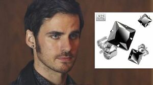 Boucles-d-039-oreilles-Killian-Jones-Once-upon-a-time-zirconia-noir-Hook-039-s-earrings