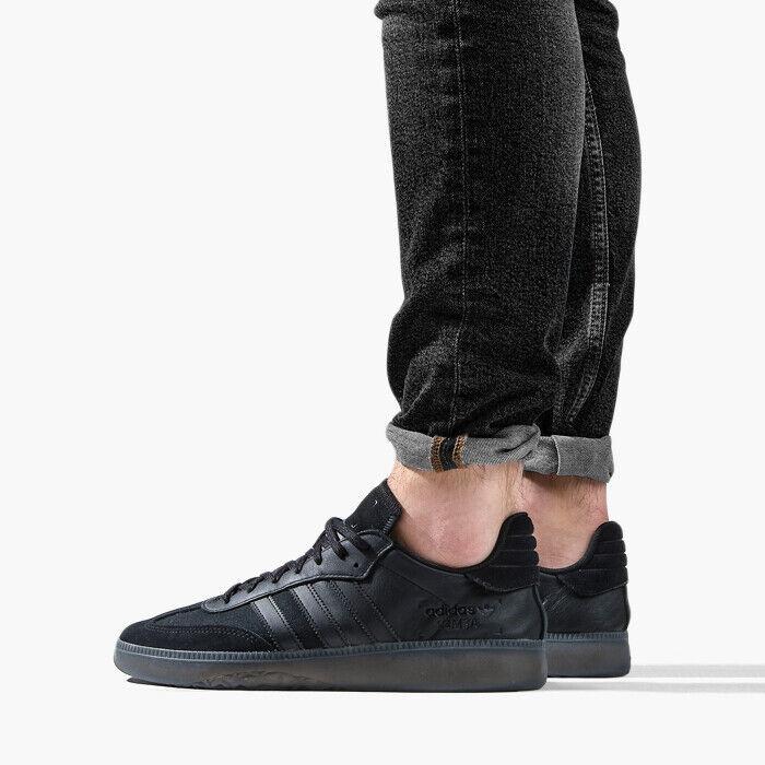 Black Samba RM sneakers