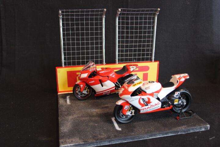QSP Diorama 1 12 estrellating grid with wtutti e 2 high fences Pirelli