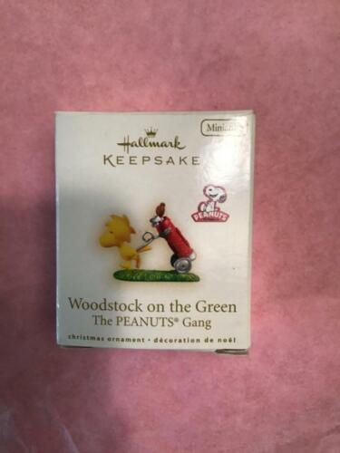 Hallmark Keepsake Ornament 2009 Woodstock on the green golfing mini Peanuts Gang