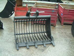 "36"" Backhoe loader excavator shaker bucket"