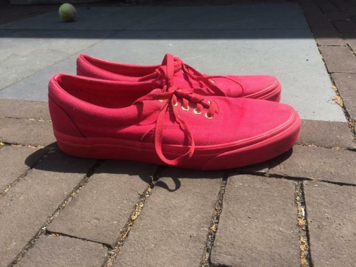 Four pairs of chaussures for 85 euros (Vans, Puma)
