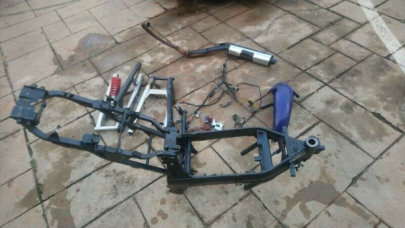 2006 Honda CBR125 Frame, 2x Swingarm, Shock, exhaust etc.