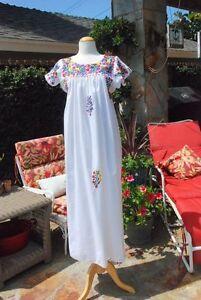 Vestidos bordados oaxaquenos blancos