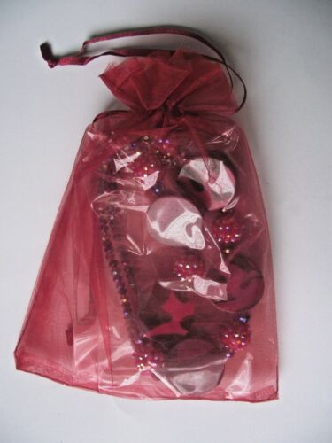 PURPLES UNUSUAL COSTUME NECKLACE WITH GIFT BAG NEW /& SEALED// IN REDS CERISE